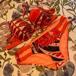 AE bikini set. 36c top M bottom